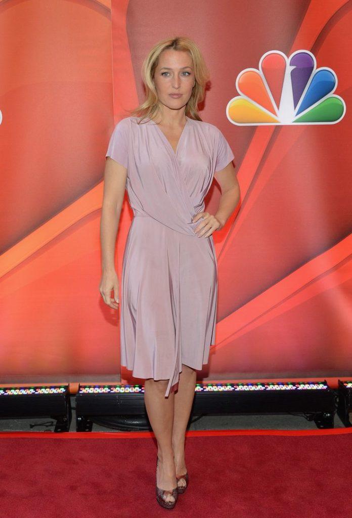 Gillian-Anderson-Feet-Pics