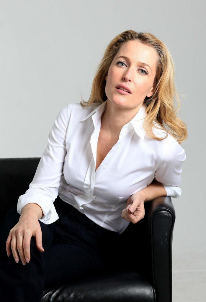Gillian-Anderson-Jeans-Images