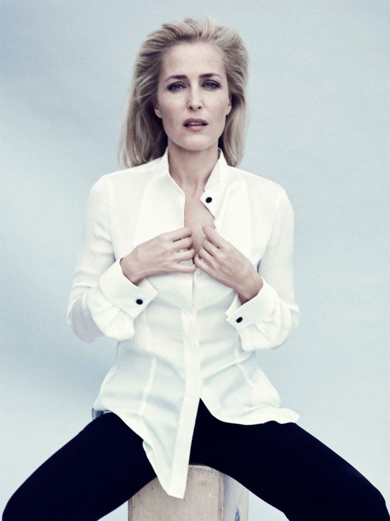 Gillian-Anderson-Leggings-Pics