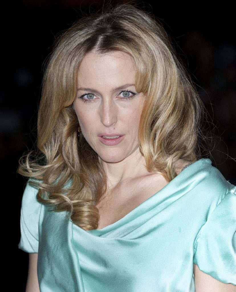 Gillian-Anderson-Sexy-Body-Images
