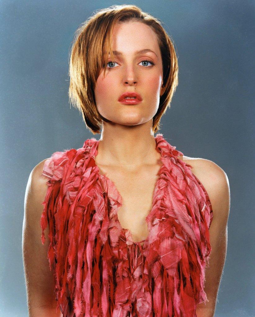 Gillian-Anderson-Sexy-Pics