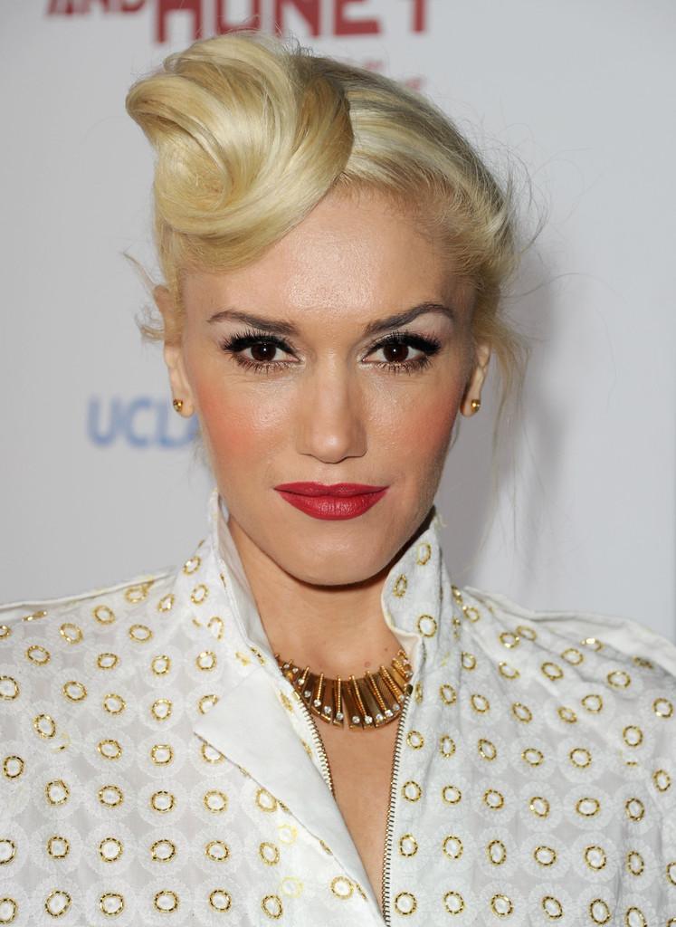 Gwen-Stefani-Sexy-Lips-PHotos