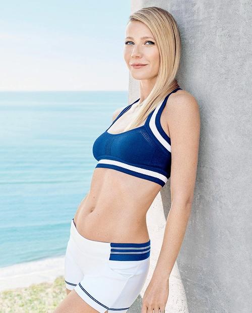 Gwyneth-Paltrow-Bra-Panty-Photos