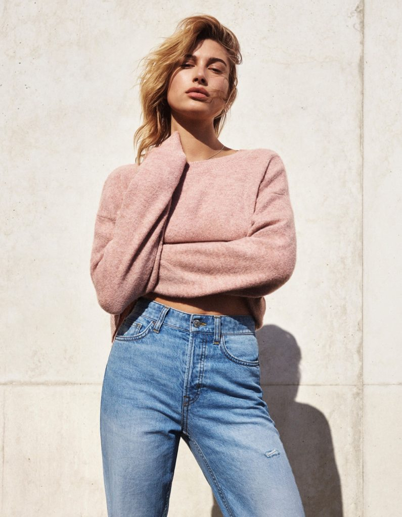 Hailey-Bieber-Jeans-Wallpapers