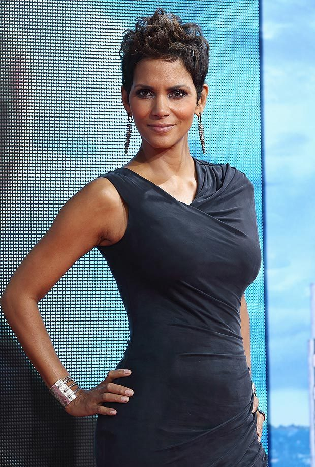 Halle-Berry-Armpits-Images