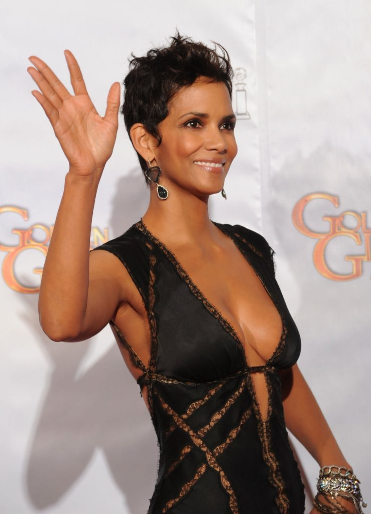 Halle-Berry-Hair-Style-Images