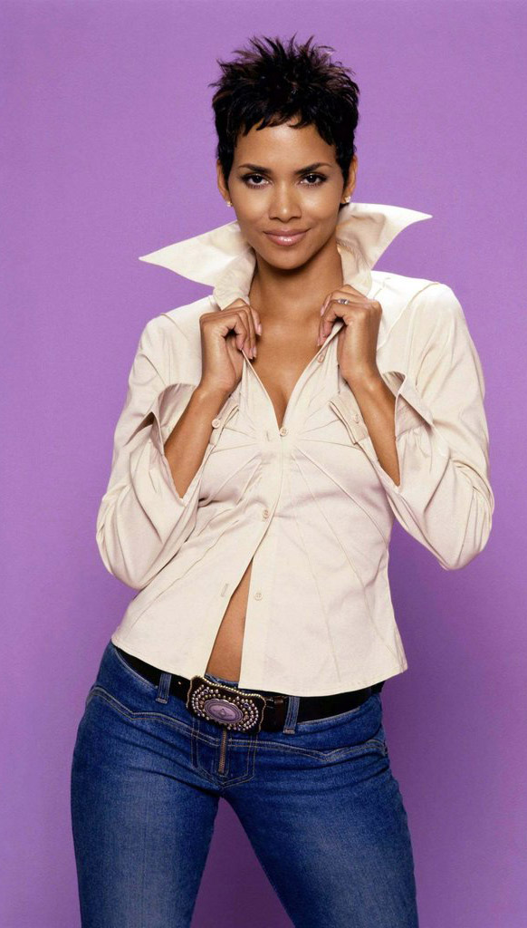 Halle-Berry-Jeans-Pictures