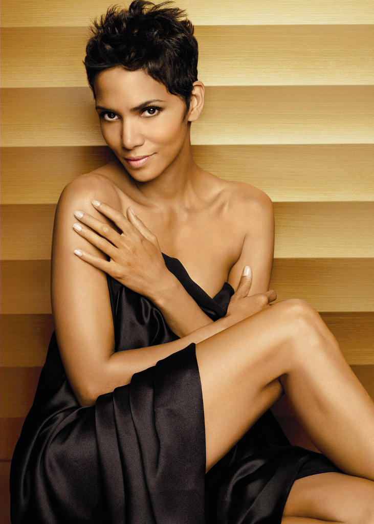 Halle-Berry-Shorts-Images