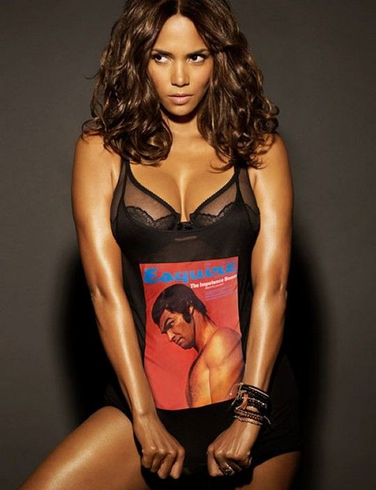 Halle-Berry-Swimsuit-Pictures