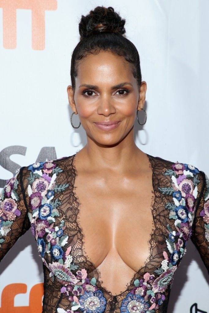Halle-Berry-Topless-Images