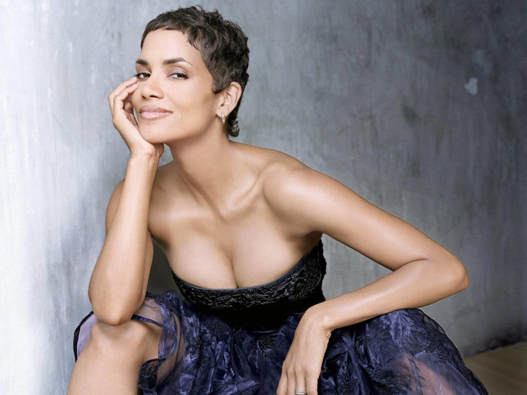 Halle-Berry-Topless-Photos