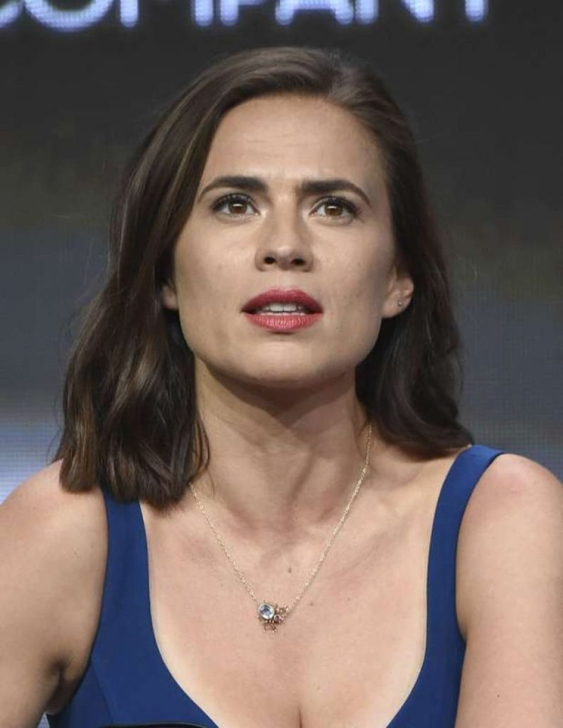 Hayley-Atwell-Sexy-Lips-PHotos