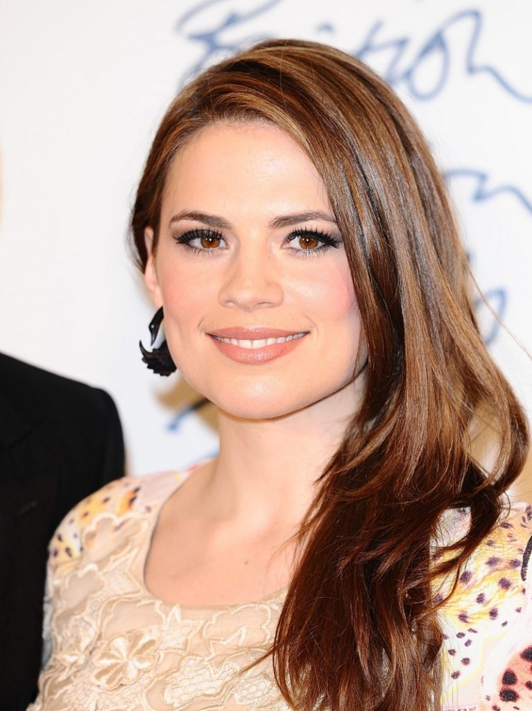 Hayley-Atwell-Sexy-Smile-Photos
