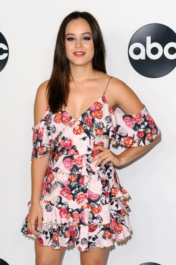Hayley-Orrantia-Thighs-Images