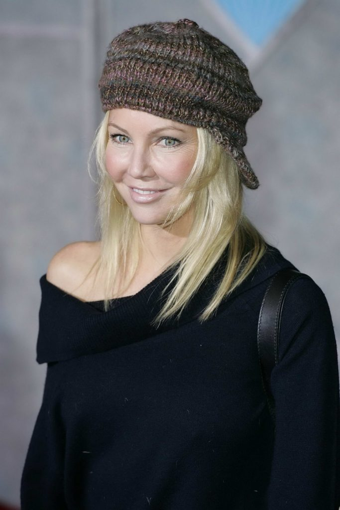 Heather-Locklear-Cute-Smile-Pictures