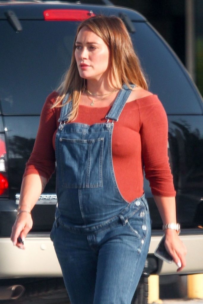 Hilary-Duff-Baby-Bump-Pictures