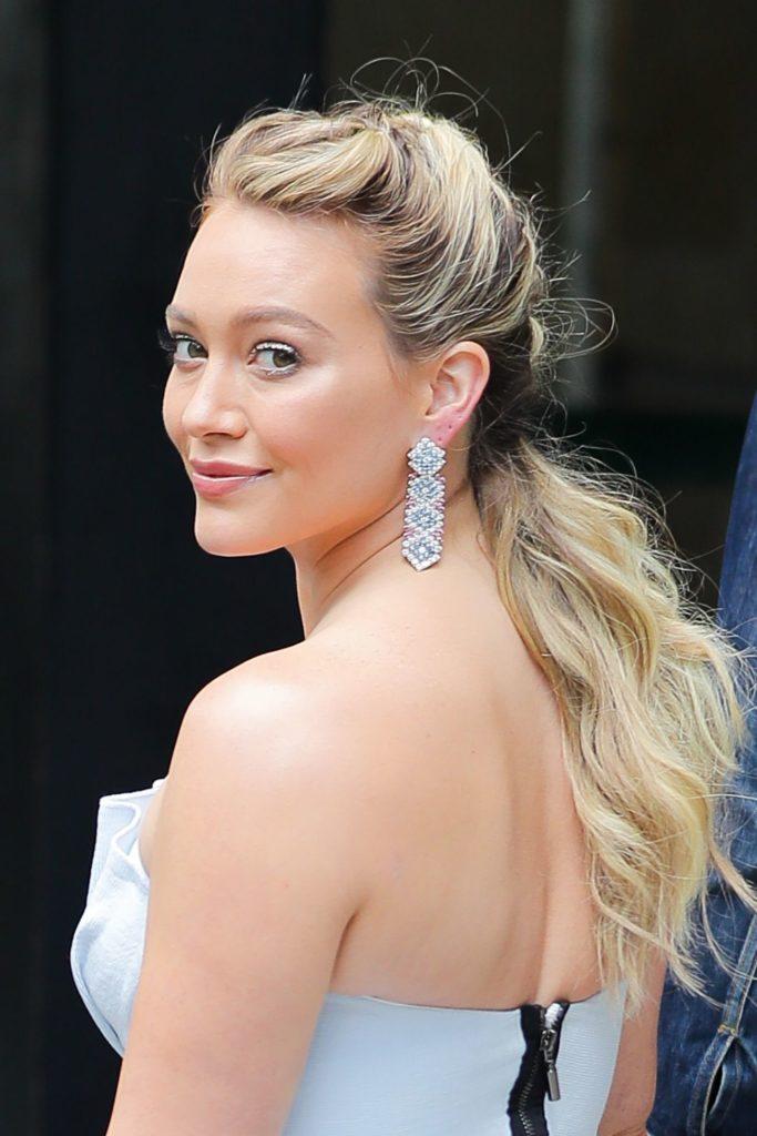 Hilary-Duff-Backless-Photos