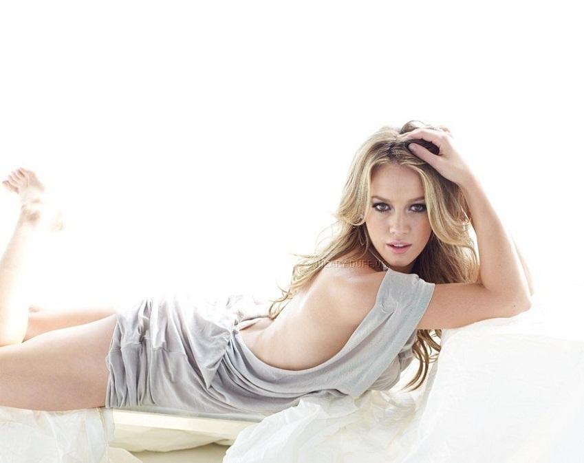 Hilary-Duff-Bikini-Pictures