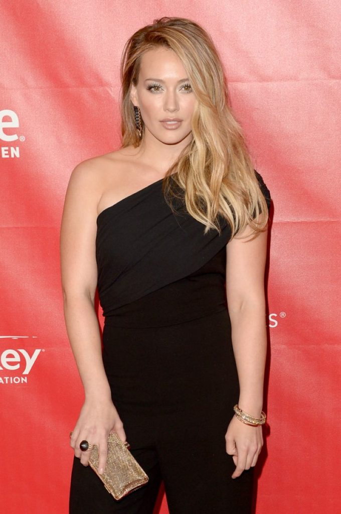 Hilary-Duff-Muscles-Imges