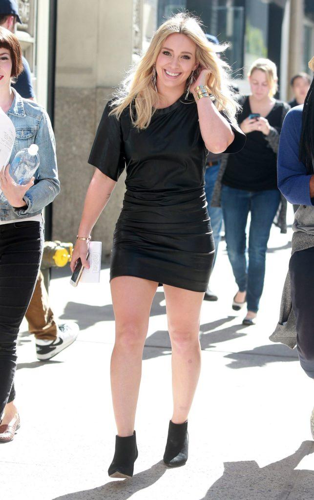 Hilary-Duff-Skirt-Photos