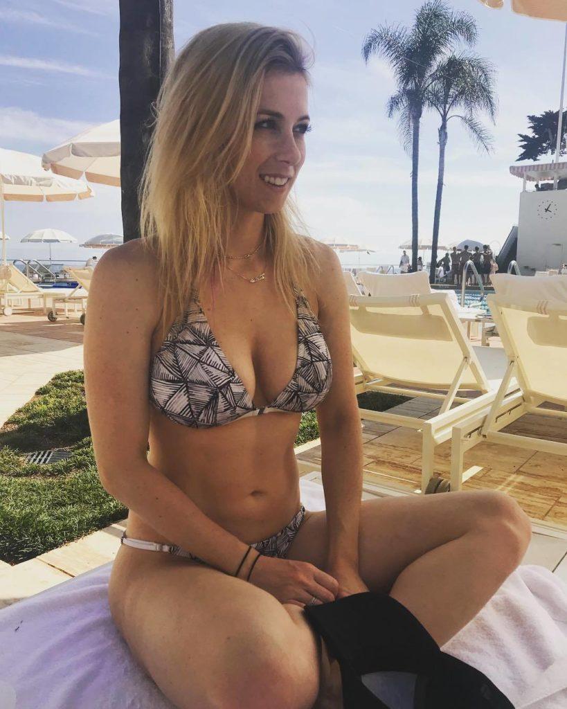 Iliza-Shlesinger-Bikini-Bra-Images
