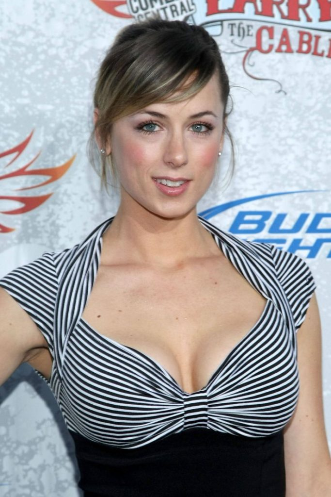 Iliza-Shlesinger-Hot-Sexy-Pictures