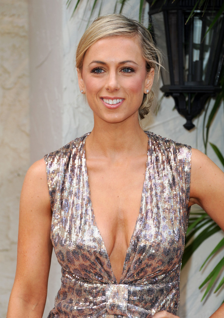Iliza-Shlesinger-Sexy-Topless-Images