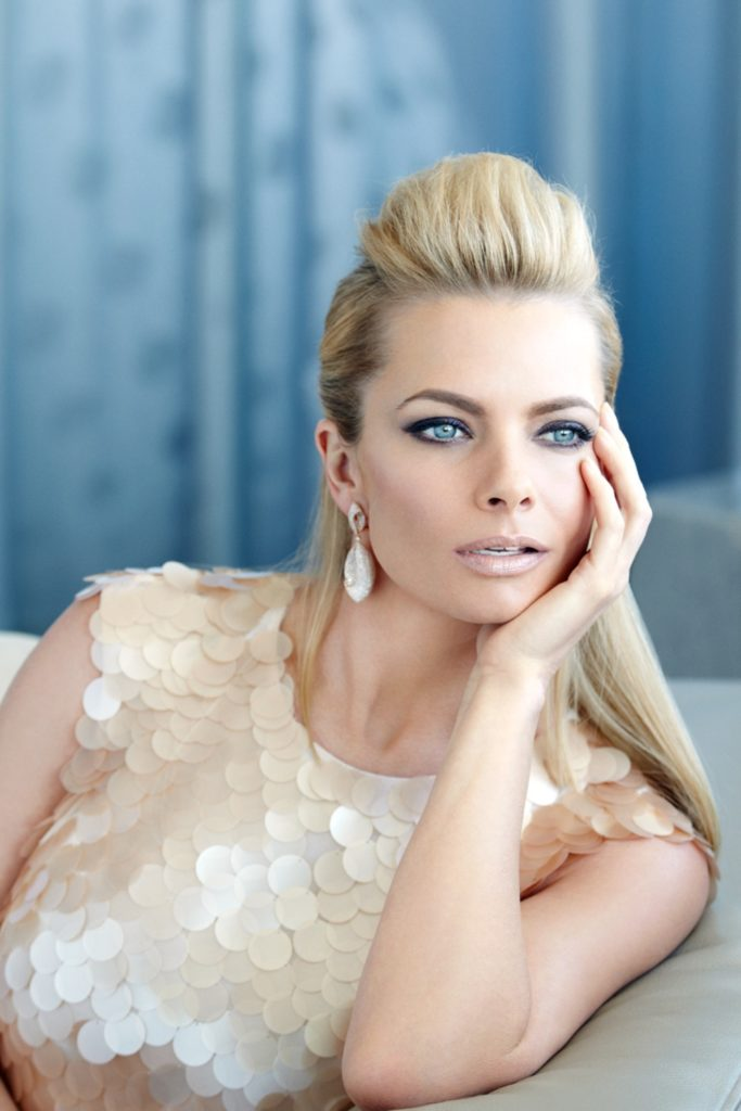 Jaime-Pressly-Sexy-Eyes-Images