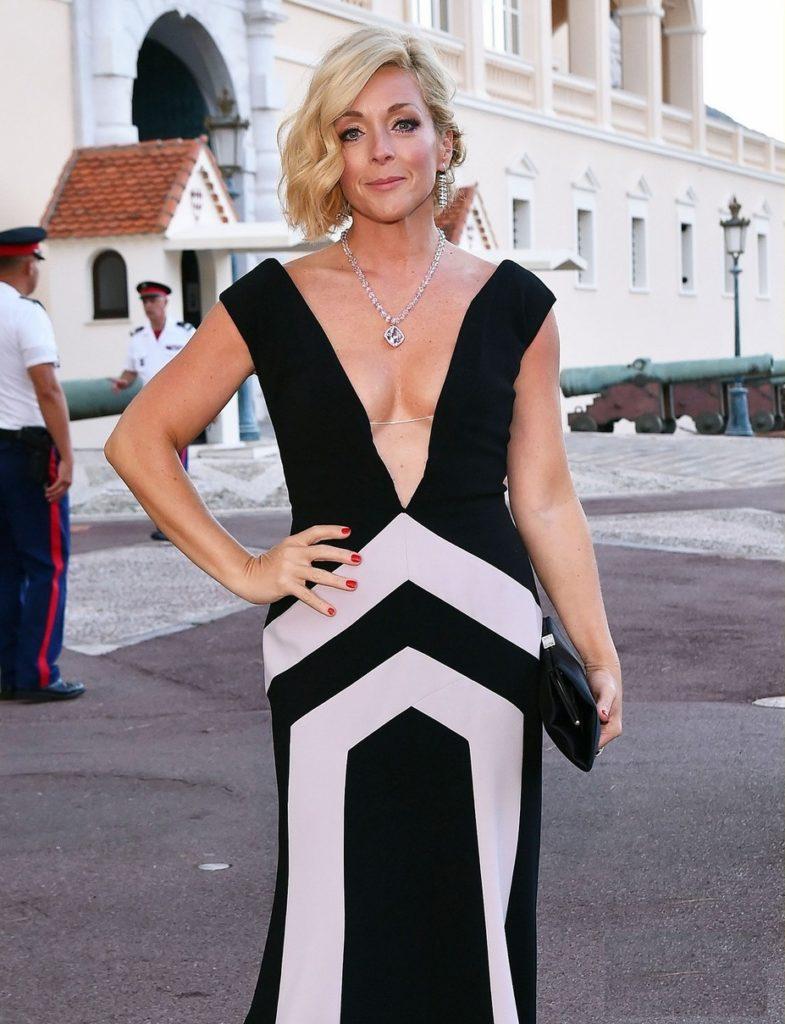 Jane-Krakowski-Sexy-Breast-Photos