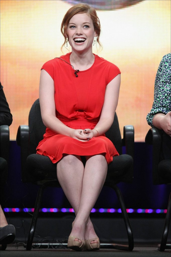 Jane-Levy-Feet-Pictures