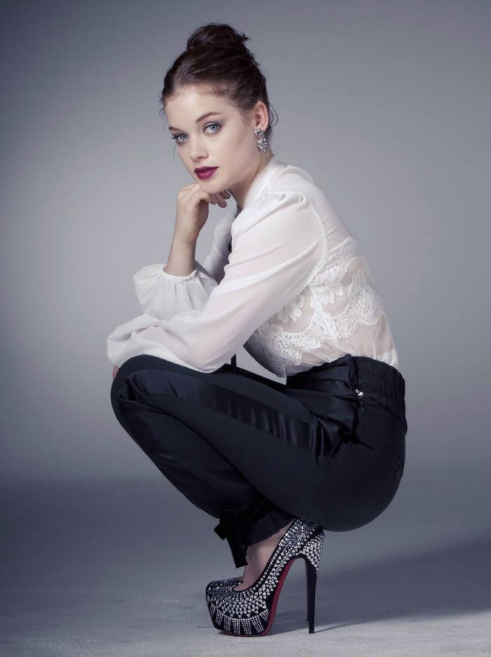 Jane-Levy-Heels-Photos