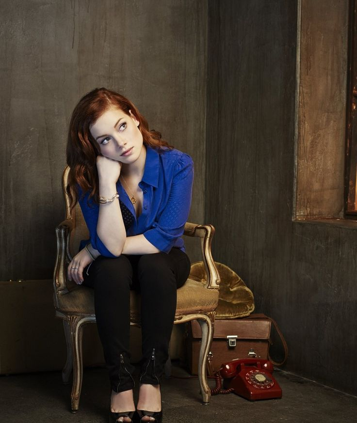 Jane-Levy-Jeans-Images