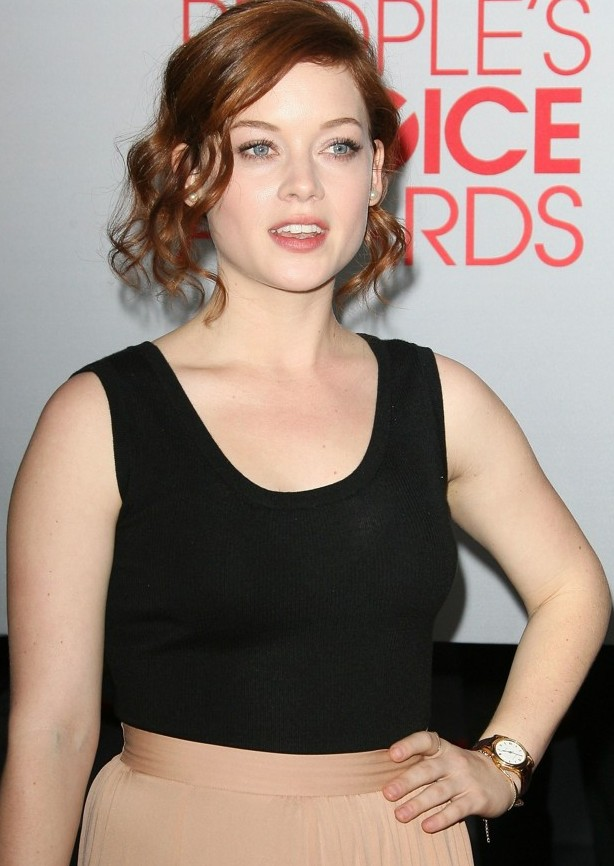 Jane-Levy-Muscles-Images