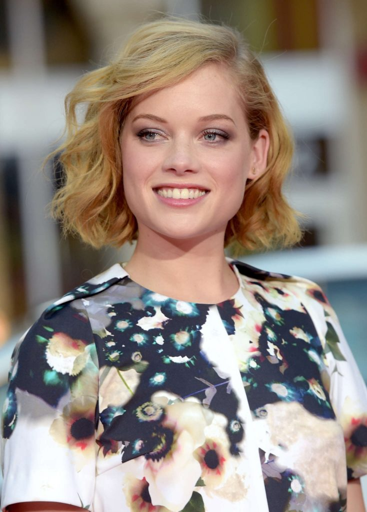 Jane-Levy-Sexy-Smile-Images