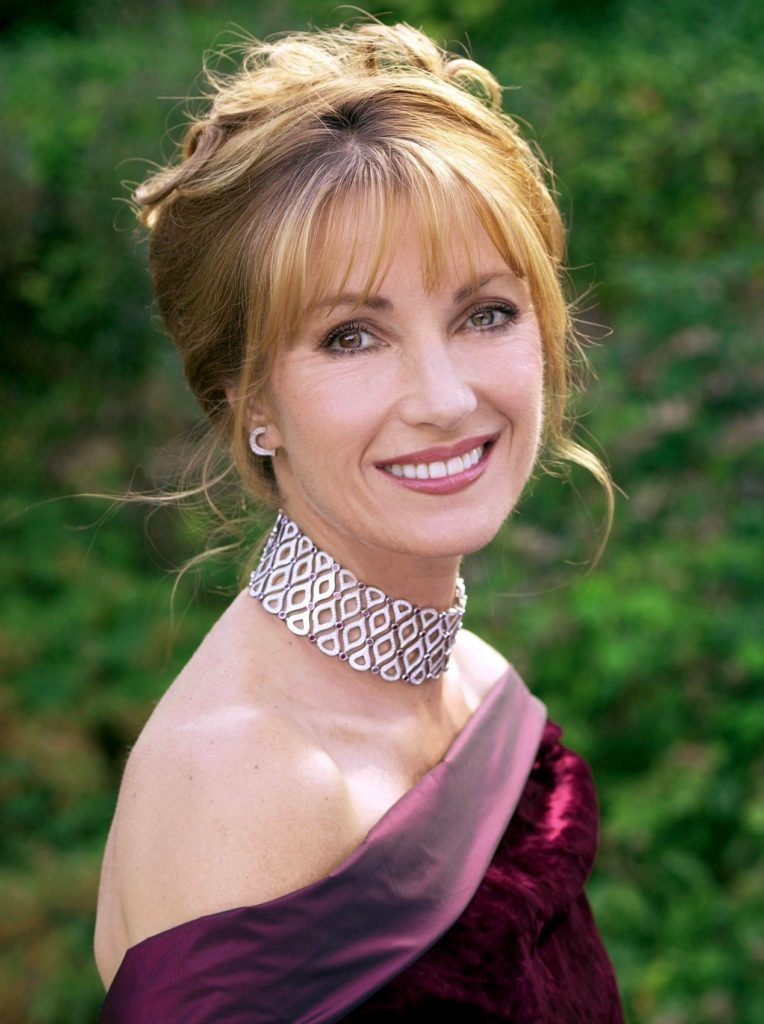 Jane-Seymour-Backless-Pictures
