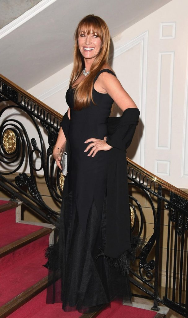 Jane-Seymour-Cleavage-Pictures