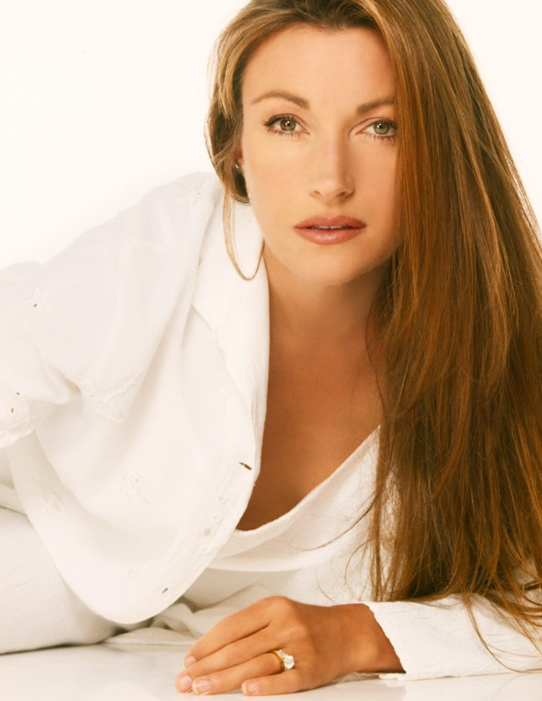 Jane-Seymour-Hair-Style-Images