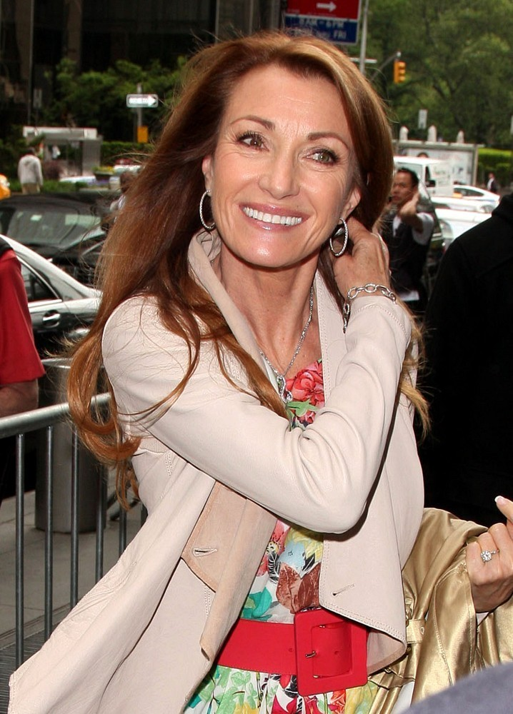 Jane-Seymour-Sexy-Smile-Images