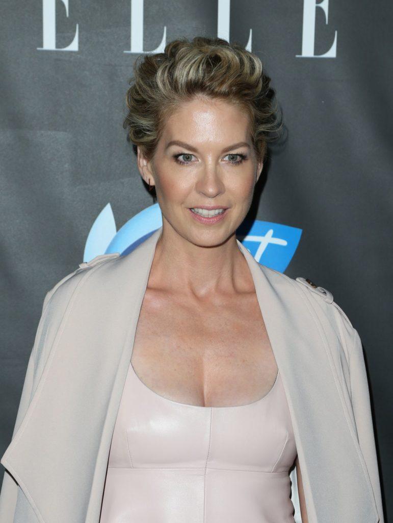 Jenna-Elfman-Breast-Images