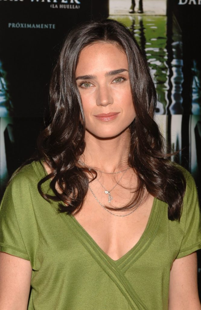 Jennifer-Connelly-Braless-Images