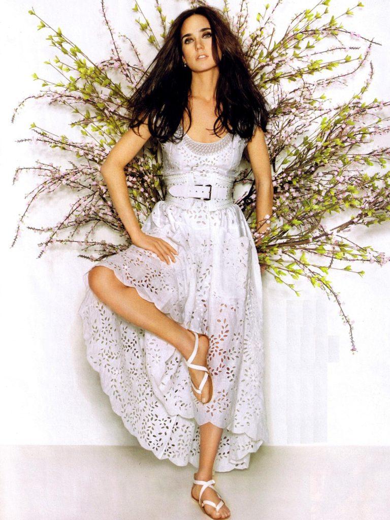 Jennifer-Connelly-Sexy-Legs-Photos