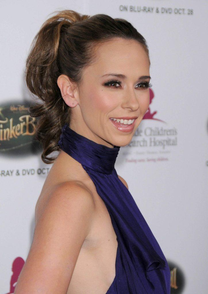 Jennifer-Love-Hewitt-Armpits-Images