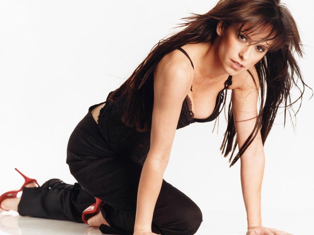 Jennifer-Love-Hewitt-Bra-Pictures