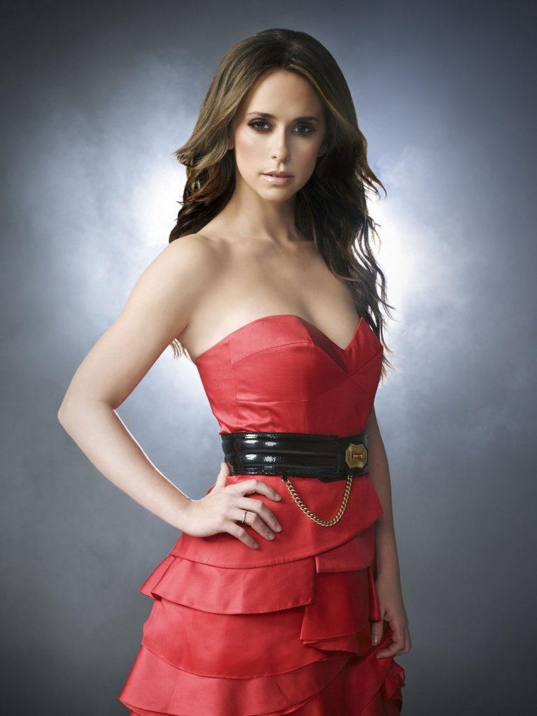 Jennifer-Love-Hewitt-Breast-Pictures