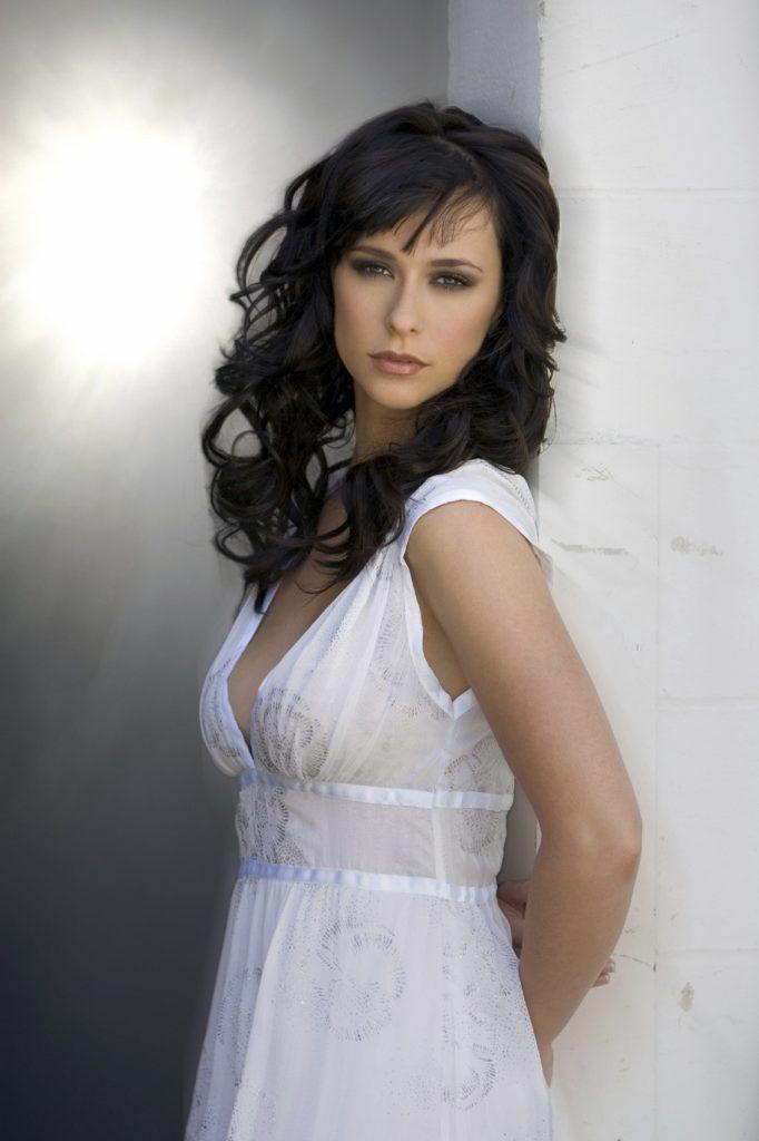 Jennifer-Love-Hewitt-Muscles-Pictures