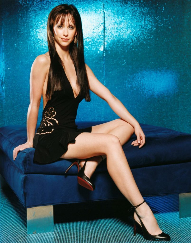 Jennifer-Love-Hewitt-Thighs-Pictures