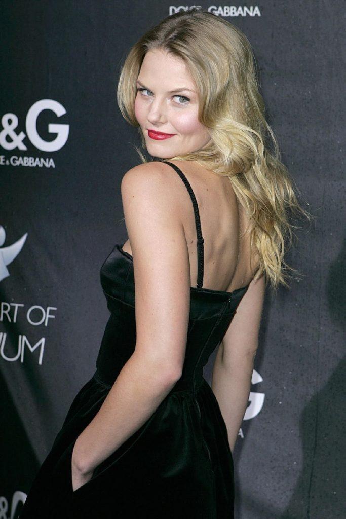 Jennifer-Morrison-Backless-Pictures