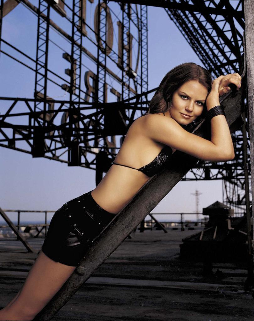 Jennifer-Morrison-Bikini-Bra-Wallpapers