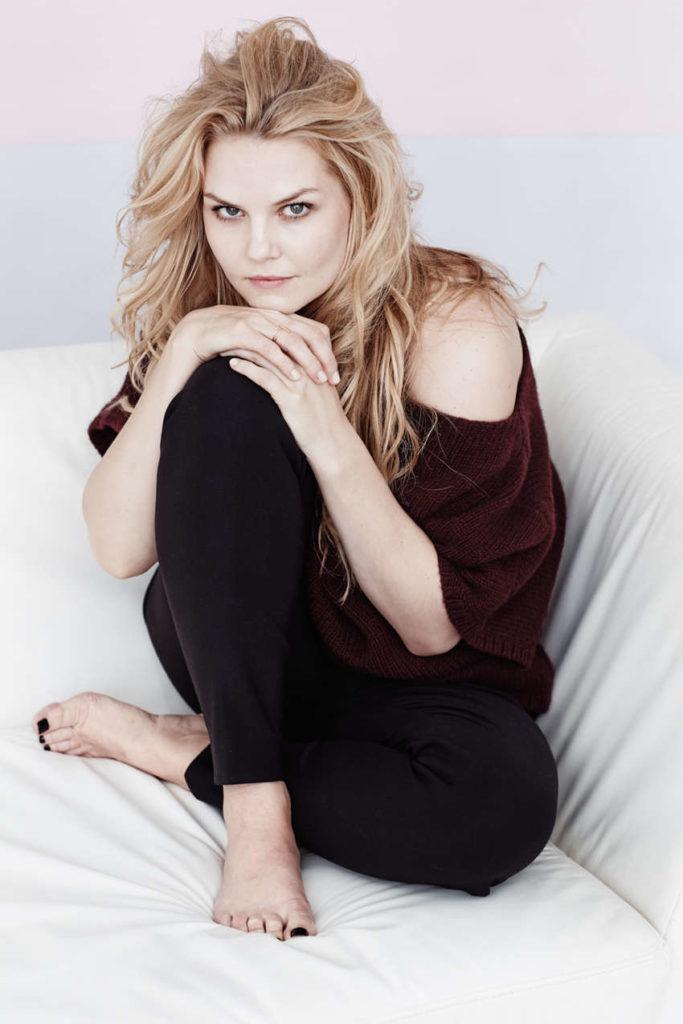 Jennifer-Morrison-Leggings-Photos