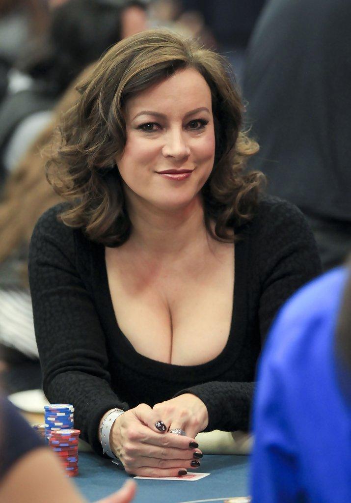Jennifer-Tilly-Breast-Photos